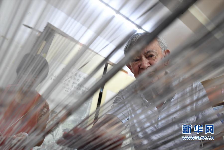 (文化)(1)福建永春:千年纸织画的传承