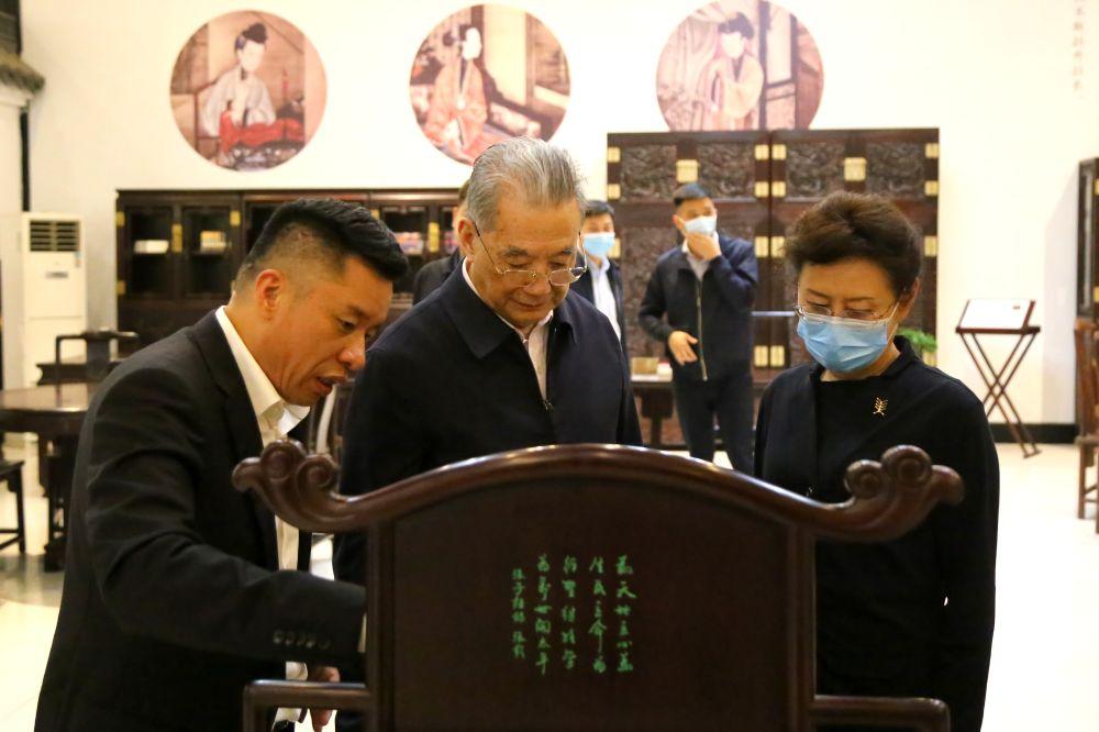 第十一届全国政协副主席李金华一行莅临四君子