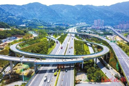 福州:园中互通C匝道桥合龙