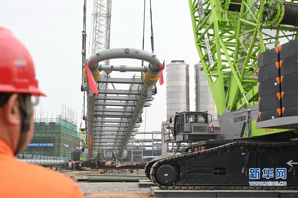 年产120万吨共聚聚丙烯环管反应器在福建福清吊装