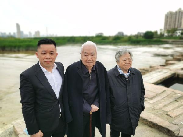 第八、九届全国人大常委会副委员长王汉斌、彭珮云再度莅临四君子